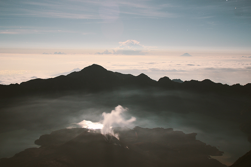 the-perks-of-being-twenty-rinjani-lombok-travel-mountain-hiking-summit-attack-06