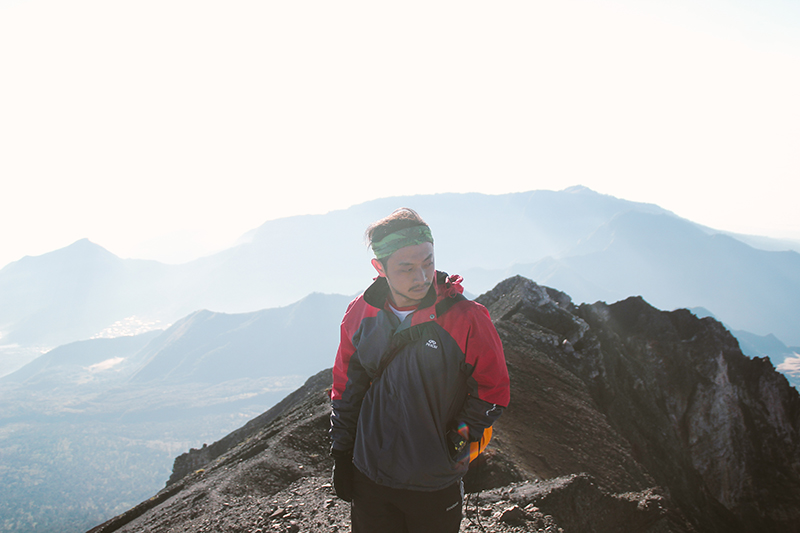 the-perks-of-being-twenty-rinjani-lombok-travel-mountain-hiking-summit-attack-08
