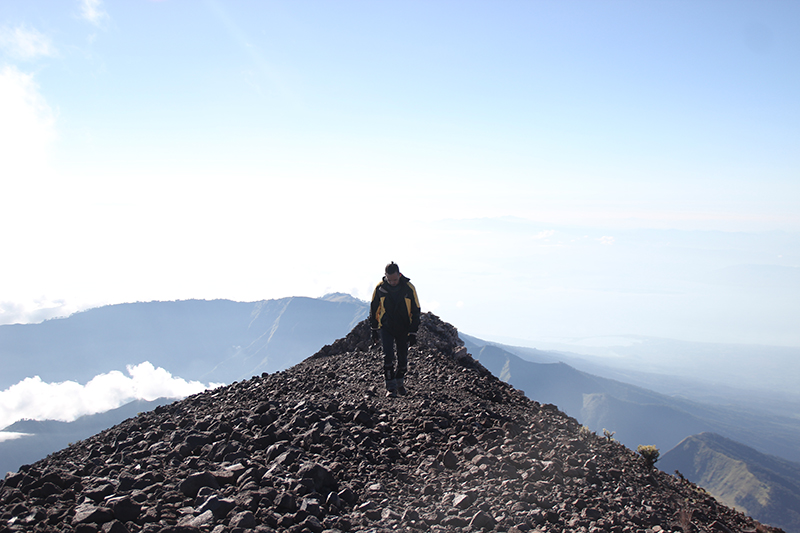 the-perks-of-being-twenty-rinjani-lombok-travel-mountain-hiking-summit-attack-13