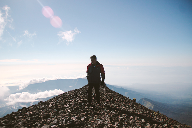the-perks-of-being-twenty-rinjani-lombok-travel-mountain-hiking-summit-attack-14