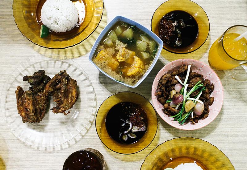 the perks of being 20 twenty surabaya east java jawa timur travel lifestyle foodies culinary exploration solo traveling train depot bali nasi babi peneleh es krim sangrandi gerson henry