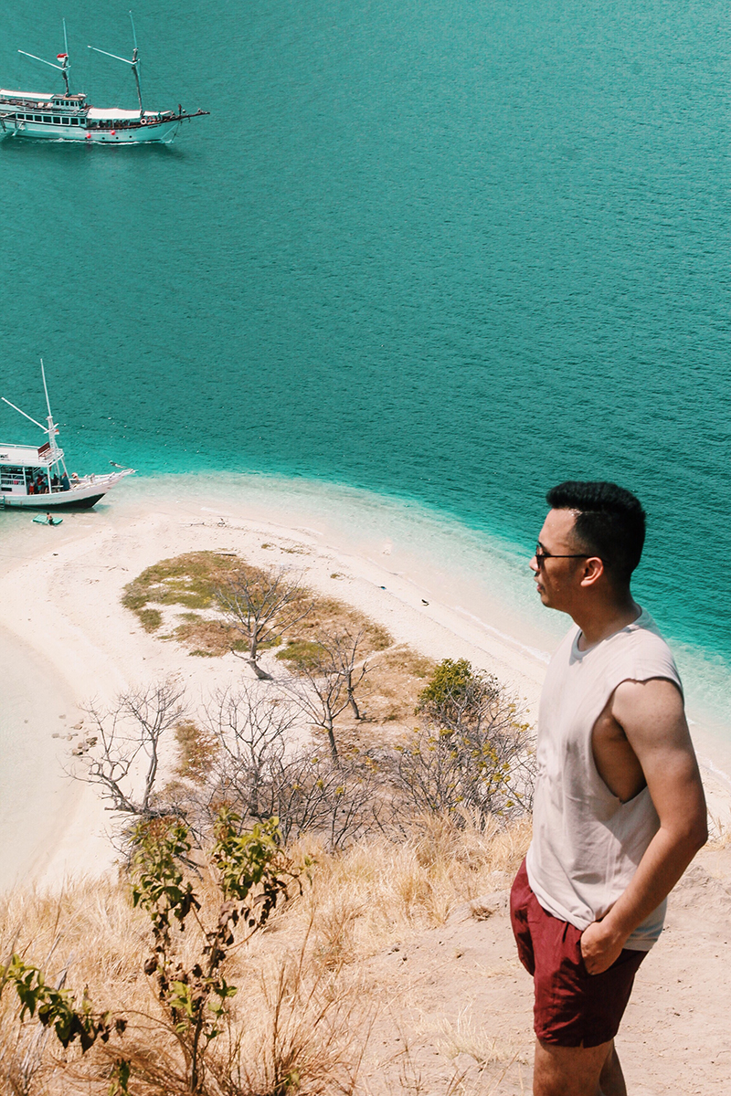 The Perks Of Being Twenty Henry Gerson Gerson Henry Travel Society Pesona Indonesia Visit Indonesia Labuan Bajo Pulau Kelor Pulau Manjarite Snorkeling Beach Island Traveling Lifestyle 02