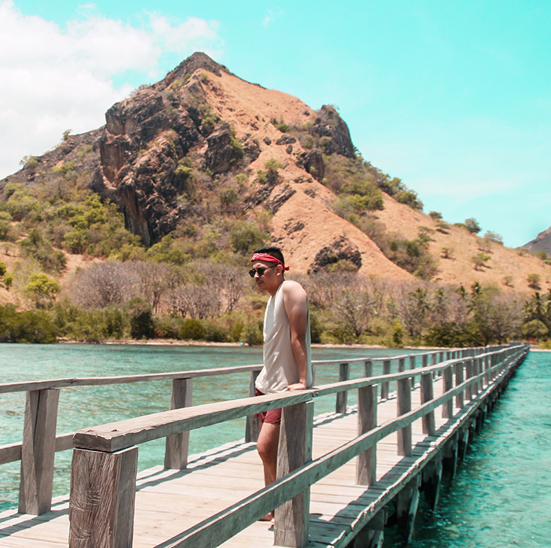 The Perks Of Being Twenty Henry Gerson Gerson Henry Travel Society Pesona Indonesia Visit Indonesia Labuan Bajo Pulau Kelor Pulau Manjarite Snorkeling Beach Island Traveling Lifestyle 04